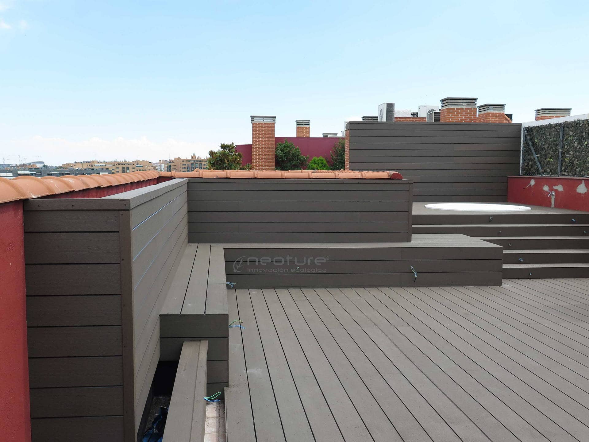 Tarimas y baldosas para exterior en madera sint tica - Tarima para terraza ...