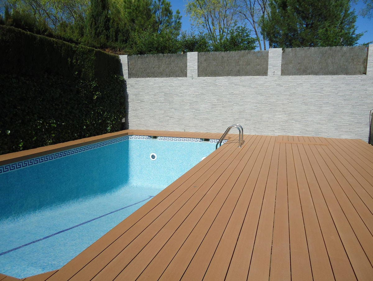 Madera exterior archives neoture for Pavimento para piscinas
