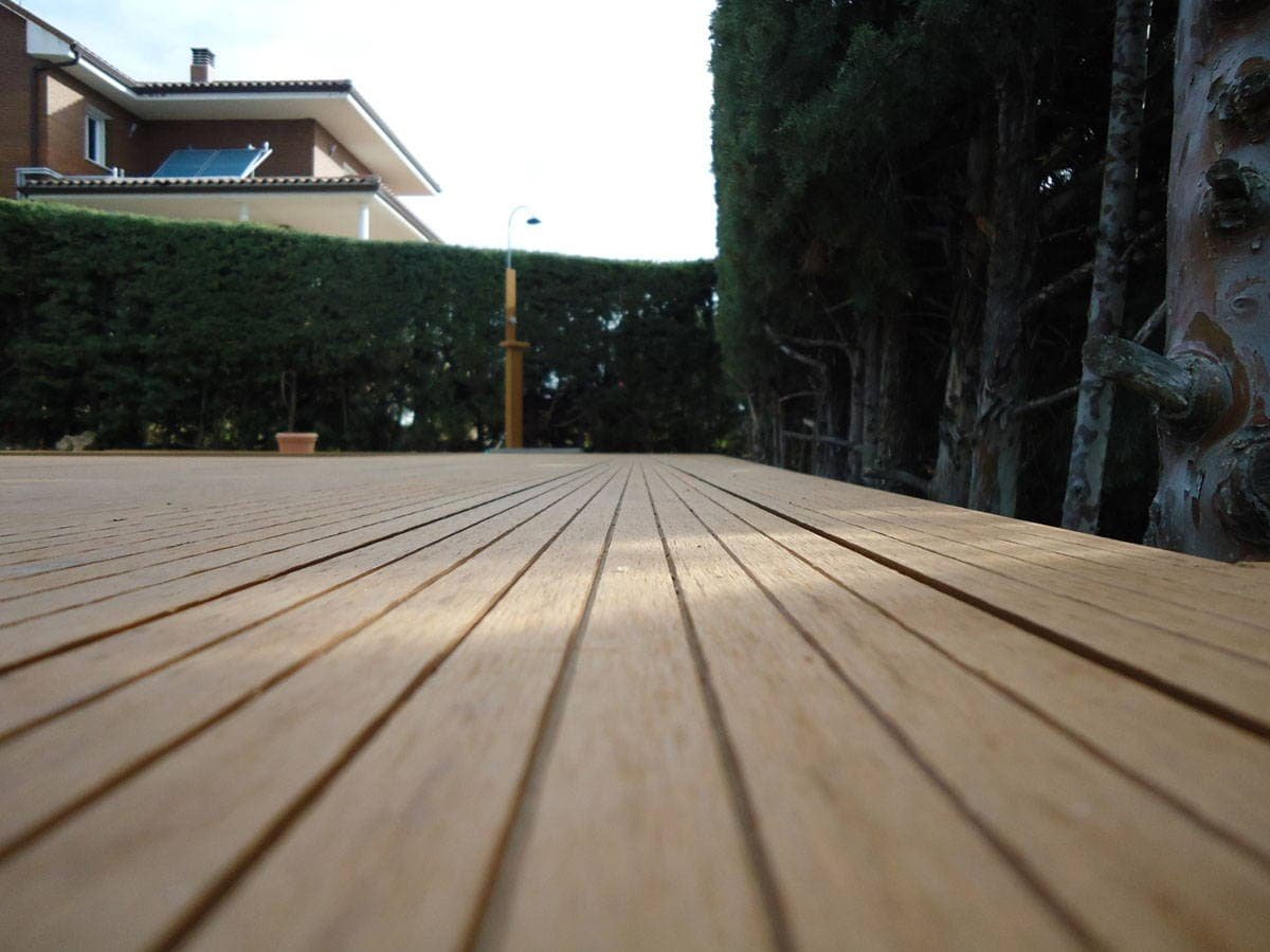 Madera sintetica archives neoture for Suelo composite exterior