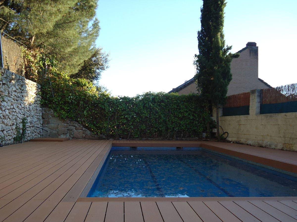 Tarima piscina archives neoture for Madera para piscinas