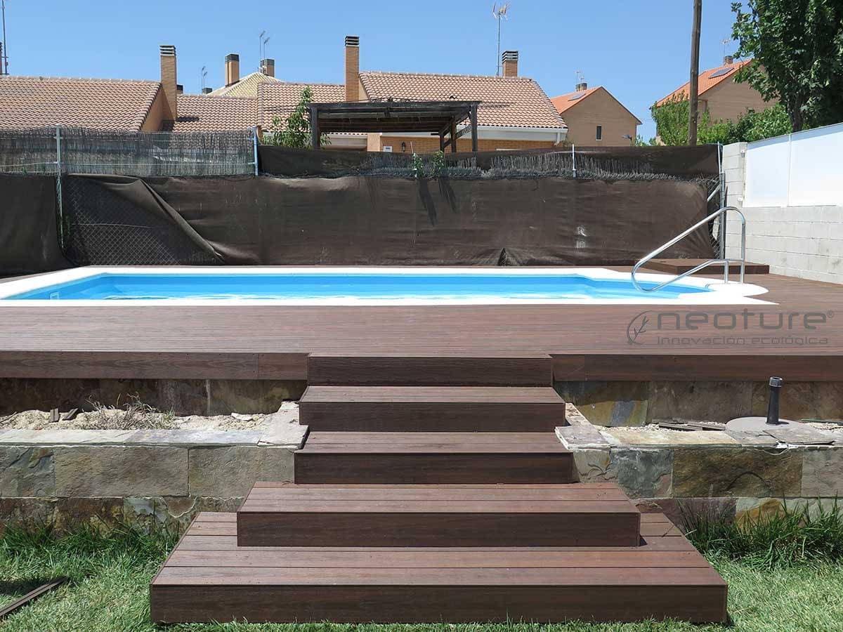 Tarimas y baldosas para exterior en madera sint tica - Tarima para piscinas ...