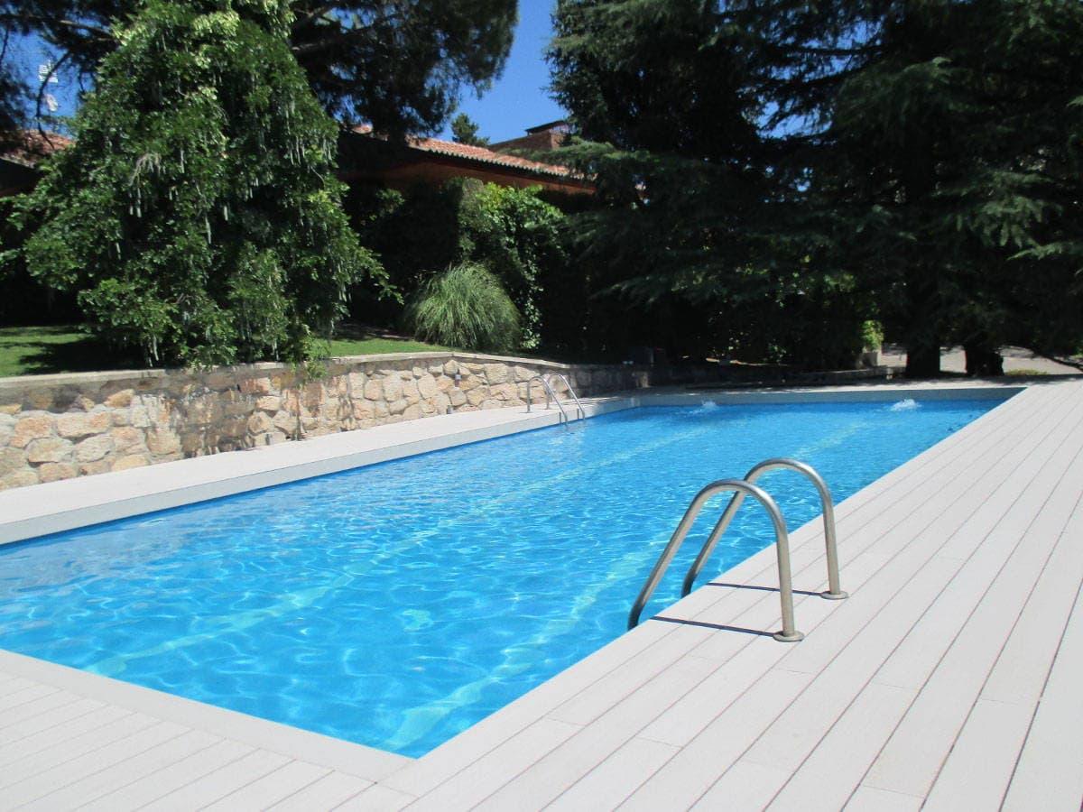 Tarima tecnica archives neoture for Bordillo piscina